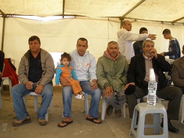 משפחות שבתיהן נהרסו בשכונת אבו עיד בלוד